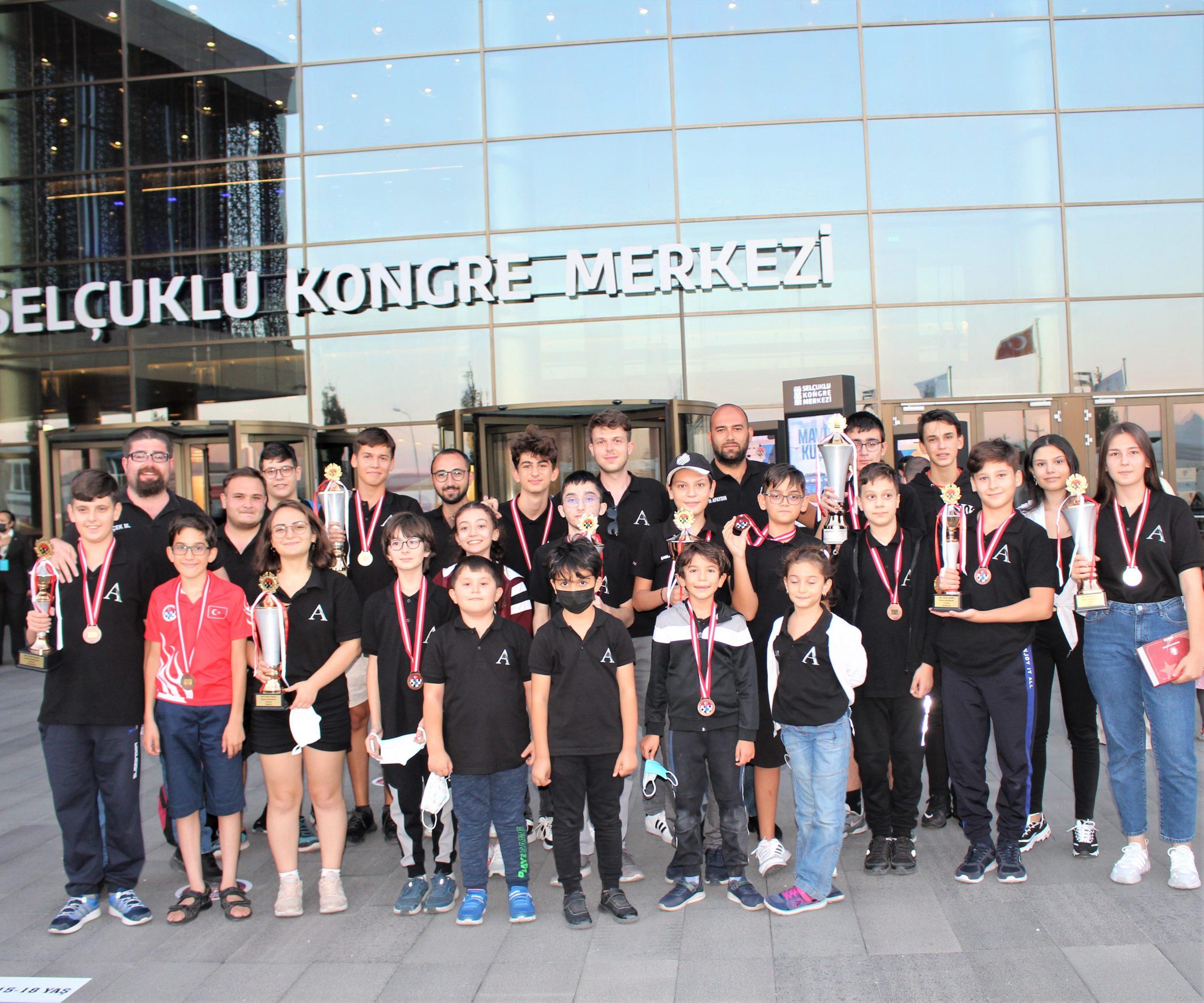 Türkiye Şampiyonası Karnemiz: 21 Milli Sporcu!